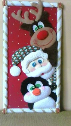 ideas crochet decoracion cuadros Learn the fact (generic term) of how to needlecraft (generic te Etsy Christmas, Christmas Makes, Christmas Wood, Simple Christmas, Christmas Stockings, Christmas Crafts, Christmas Ornaments, Christmas Classroom Door, Christmas Door Decorations