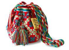 Bolsa Wayuu, tejida en algodón en por artesanos de La Guajira, Colombia