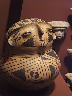 Ceramic Vessel Casas Grandes CE Chihuahua State Mexico by mharrsch… Native American Pottery, Native American Art, Art Premier, Art Africain, Mesoamerican, Arte Popular, Indigenous Art, Mexican Art, Native Art