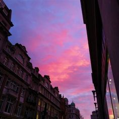 beauty amazing Tagged with chill city holidays life pink places purple relax sky travel vacation vacay world Pretty Sky, Beautiful Sunset, Beautiful Paris, Look At The Sky, Sky Aesthetic, Sunset Sky, City Sunset, Sunset Tumblr, Sunset Lover