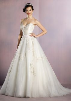 Alfred Angelo Disney Fairy Tale Weddings Bridal Collection 256 Snow White Ball Gown Wedding Dress