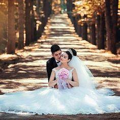 Sugestão de foto. Linda né! #inspiração #fotografia #ensaiodosnoivos #bride #noiva #groom #noivo #previa #albumdecasamento #noivinhasde2016 #wedding #casamento #meucasamento