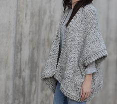 It doesn't get comfier or warmer than this cozy, beginner friendly knit kimono. Made with super bulky yarn and large needles, it works up fairly quickly and is a dream to wear on cold days. Knit Kit - Telluride Easy Knit Kimono in Animal Knitting Patterns, Knitting Kits, Sweater Knitting Patterns, Loom Knitting, Knit Patterns, Free Knitting, Knitting Projects, Simple Knitting, Baby Knitting