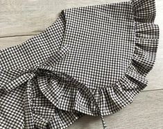 Crochet Dog Clothes, Sewing Clothes, Diy Clothes, Diy Fashion, Ideias Fashion, Fashion Dresses, Fashion Design, Burda Style Magazine, Sewing Collars