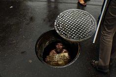 Amnesty International: Manhole sticker