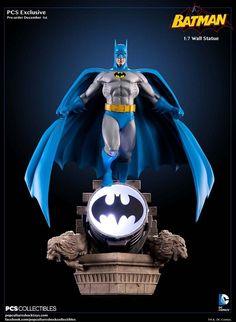 Batman Bronze Age Wall Statue