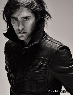 http://st2-fashiony.ru/pic/celebrity/pic/26589/1.jpg