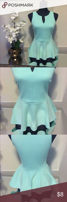 Teal peplum sleeveless top Tight material small v neckline. . Peplum cut, no sleeves. Add to a bundle! boutique Tops Blouses