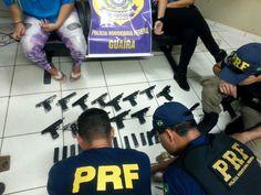 POLÍCIA RODOVIÁRIA FEDERAL. Mulheres são presas com 14 pistolas amarradas ao corpo;   https://www.prf.gov.br/portal/noticias/nacionais/mulheres-sao-presas-com-14-pistolas-amarradas-ao-corpo/image/image_view_fullscreen