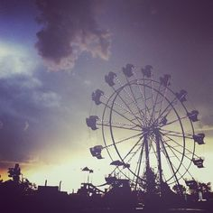 I wanna take some Ferris Wheel pics Photography Series, Summer Photography, Travel Photography, Pretty Pictures, Cool Photos, Instagram Tips, Photo Book, Summer Fun, Picture Video
