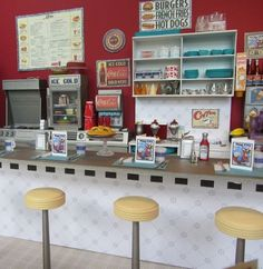 Mini Café. So lovely!!! I want one of this!!!!