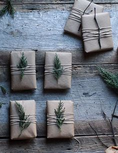 braunes Papier Weihnachten wickeln How can you learn tricks if you're just starting to make up? Christmas Gift Wrapping, Diy Christmas Gifts, All Things Christmas, Holiday Crafts, Christmas Decorations, Christmas Ideas, Santa Gifts, Homemade Christmas, Holiday Decor