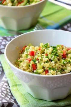 Bulgursaláta uborkával és paprikával - Kifőztük, online gasztromagazin Salad Recipes, Diet Recipes, Vegetarian Recipes, Cooking Recipes, Healthy Recipes, Clean Eating Recipes, Healthy Eating, Healthy Food, Good Food