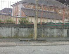 Trottoir à risque à Bernay non loin de la gare...