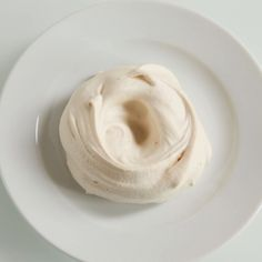 Delia's Meringues with Summer Fruit recipe. In the summer, soft fruit make the perfect filling for meringues, as their sharp acidity contrasts beautifully with the sweetness of the meringue. Perfect Meringue, How To Make Meringue, Merangue Recipe, Egg White Recipes, Delia Smith, Grilled Corn Salad, Eton Mess, Baking Parchment, Corn Salads