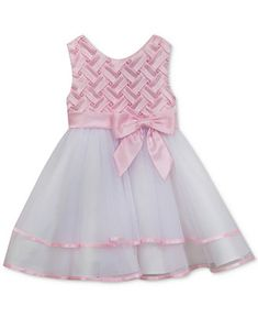 Children and Young Frocks For Babies, Baby Girl Frocks, Frocks For Girls, Kids Frocks, Baby Frock Pattern, Frock Patterns, Toddler Girl Dresses, Little Girl Dresses, Girls Dresses