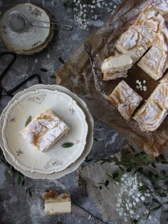 Cookies and Sweets - Godaste vaniljrutorna i långpanna - Karpatka Fika, Baking Tips, Camembert Cheese, Bakery, Cheesecake, Good Food, Dessert Recipes, Food And Drink, Favorite Recipes