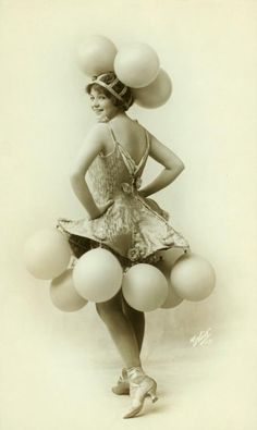balloon show girl