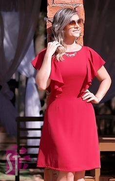 Trendy Ideas For Moda Evangelica Vestidos Tubinho Modern Outfits, Stylish Dresses, Simple Dresses, Pretty Dresses, Casual Dresses, Dresses For Work, Girl Fashion, Fashion Outfits, Womens Fashion