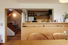 キッチンカウンター: 藤松建築設計室が手掛けたキッチンです。