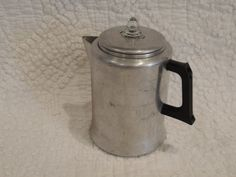 Cute vintage coffee pot  Kitchen Pride by by PurveyorsOfFineJunk, $19.99