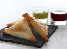 Samoussas+aux+manchons+de+canard+et+ses+sauces+Pika+Gorri+et+Berdea