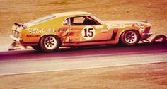 Banged up but runnin. Like A Boss Road Race Car, Race Cars, Sports Car Racing, Auto Racing, Mustang Cobra, Ford Mustang, Mo & Co, Fat Man, Pony Car