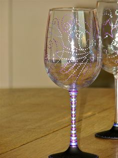 chalkboard wine glasses from chic chalk designs