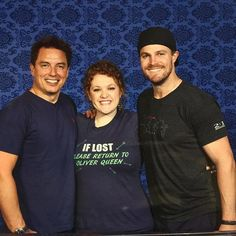 Stephen & Barrowman with fans at #Dragoncon #Arrow #Dragoncon2015 - I love her shirt.   -----> THATS ME!