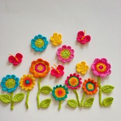 Tagged by the so lovely Monica @locamonica for #widn . I am finishing an order for crochet flowers and couldn't resist having a play:) #crochetflowers #crochetgarden #etsy