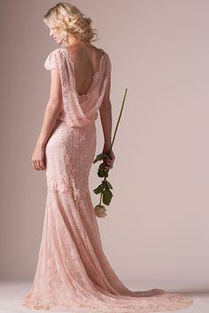 Vestido rosa de encaje de Cymbeline