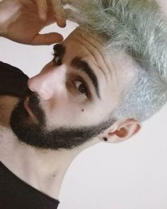 Io e i miei capelli non riusciamo a trovare un compromesso per vivere felici insieme  #hair #haircut #greyhair #men #man #gay #beard #bearded #beardporn #gayguy #gayboy #gayman #gayguys #whitehair #fail #boy #guy #gayboys #gaymen #nerd #hairstyle #haircolor #hairdresser #nope #black #guys #boys #like4like #follow4follow #boom