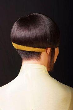 amarillo marcando el corte simetrico....