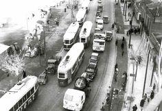 Atasco en 1962 a la altura de la Plaza de Quintana, consecuencia del incendio del Circo Florida. Aún no existía Docamar.