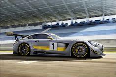 Todas as partes aerodinâmicas são feitos de carbono. Isso é para incentivar o desempenho e peso