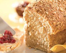 Pão integral com aveia - Moda, Beleza, Estilo, Customizaçao e Receitas - Manequim - Editora Abril - Foto: Alex Silva