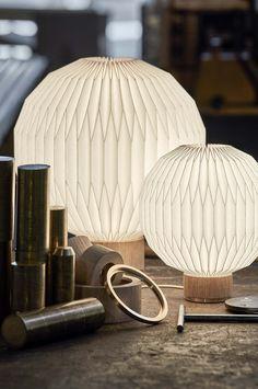 375 Bordslampa cm - Le Klint - Dennys home Farmhouse Kitchen Scales, Farmhouse Kitchen Decor, Restoration Hardware Bedroom, Hygge, Origami Table, Style Pastel, Lampshade Designs, Lighting Concepts, Lighting Ideas