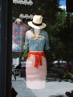 It's hard to know what to display in your consignment shop window when it's in-between-seasons time, says Too Good to be Threw at TGtbT.com. This end-of-summer, longing-for-fall outfit is perfect.