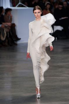 Stephane Rolland Fashion Paula Patton wore this to the Golden Globe Awards 2014