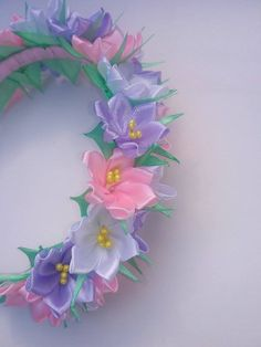 Wonderful Ribbon Embroidery Flowers by Hand Ideas. Enchanting Ribbon Embroidery Flowers by Hand Ideas. Fabric Flower Headbands, Flower Crown Headband, Flower Headpiece, Diy Headband, Satin Ribbon Flowers, Ribbon Art, Fabric Flowers, Embroidery Flowers Pattern, Silk Ribbon Embroidery