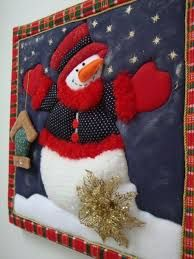 Resultado de imagen para patchwork sin aguja navidad moldes Christmas Sewing, Christmas Wood, Country Christmas, Christmas Snowman, Handmade Christmas, Christmas Crafts, Christmas Ornaments, Holiday Door Decorations, Holiday Themes