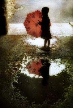 umbrellas.quenalbertini: Kid in a rainy day