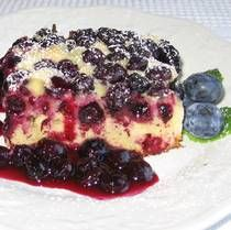 Czechoslovakian Bublanina Dessert Recipe - like a coffeecake with fruit...I have some blueberries in my fridge, I just might try this