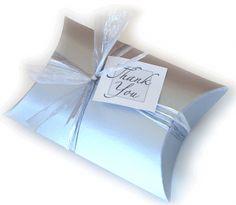 小物ギフトボックステンプレート印刷画像 Book Crafts, Diy And Crafts, Diy Paper, Paper Crafts, Diy Wedding, Wedding Day, Paper Book, Pillow Box, Special Day