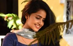 WALLPAPERS HD: Anupama Parameswaran