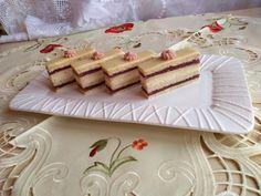 Citrónové rezy s jahodovým lekvárom (fotorecept) - obrázok 14 Vanilla Cake, Food, Hampers, Vanilla Sponge Cake, Meal, Essen, Hoods, Meals, Eten