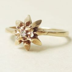 Vintage Star Flower Shaped Diamond Solitaire 9ct Gold Ring, Approx Size US 6.25
