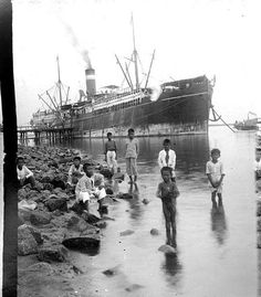 (source--University of California Library) --Crist Ibarra Philippines Cebu, Philippines Culture, Old Pictures, Old Photos, Vintage Pictures, Filipino Culture, Merchant Marine, American War, Candid Photography