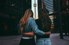 30 things to do in Toronto if you are broke. No money, no problems. Source by desloges Toronto Canada, Bffs, Best Friend Goals, Best Friends, Bff Goals, Ontario, Toronto Pictures, Stuff To Do, Things To Do