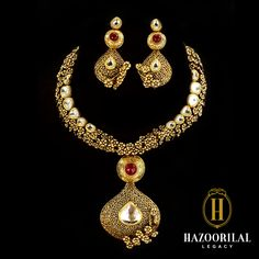 The never ending beauty of a floral vine –#HazoorilalLegacy. #Hazoorilal #Gold #Jewelry
